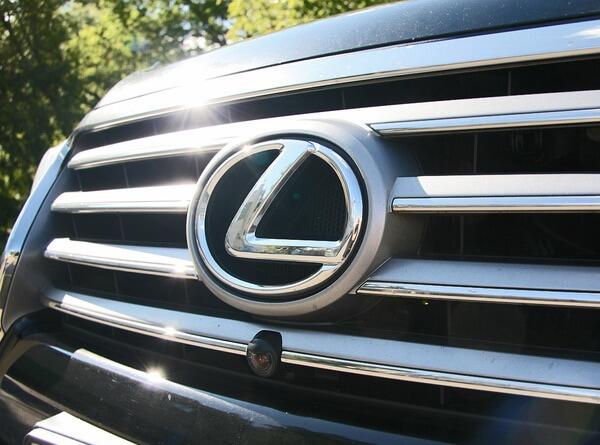 Приобретение автомобилей Лексус в лизинг